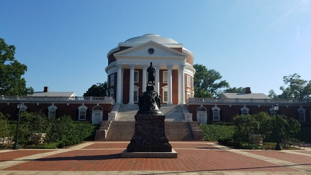 statue of Thomas Jefferson in University of Virginia